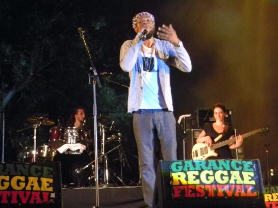 Jah Mason & Dub Akom