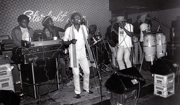 black-roots-20-ans-groupe-reforme-sort-nouvel-L-lzPhhZ