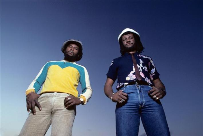 Sly-Dunbar-and-Robbie-Shakespeare-outside-from-below-NASSAU-BAHAMAS-1982