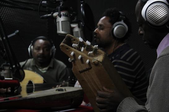 Ahamada Smis, live at radio grenouille - Photo Fred reGGaeLover 2014