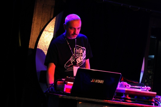 DJ Kafra, inside La Marquise - Photo : Fred reGGaeLover 2014