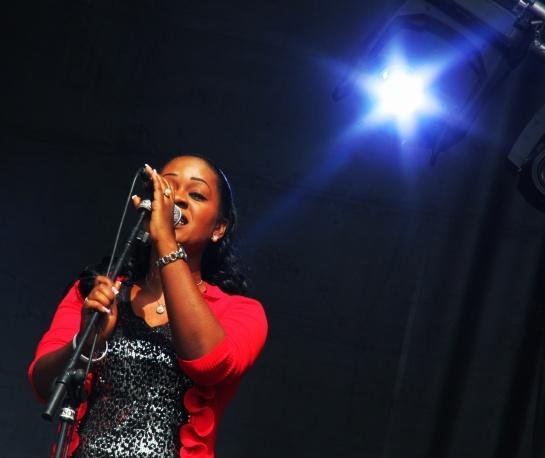 U-Roy Back Vocalist Winsome Benjamin, Live Reggae Sun Ska 2014 - Photo Fred reGGaeLover 2014