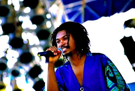 garnett_silk_performing_on_stage