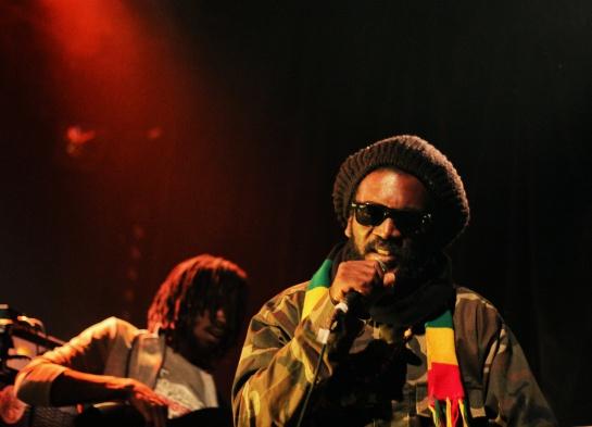 2014-11-14 Chezidek & Green And Fresh Band , Live Akwaba  - Photo : Fred reGGaeLover 2014